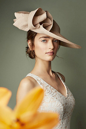 occasion hat nude women