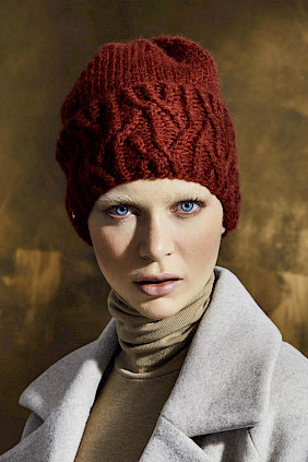 alpaka knitted hat red  women