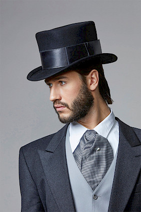 Couture top hat