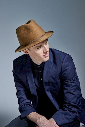 Trilby hat felthat mustard  for men by milliner hatdesign Nicki Marquardt München
