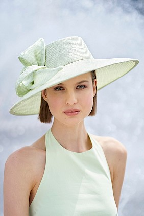 eleganter damenhut mint sommer